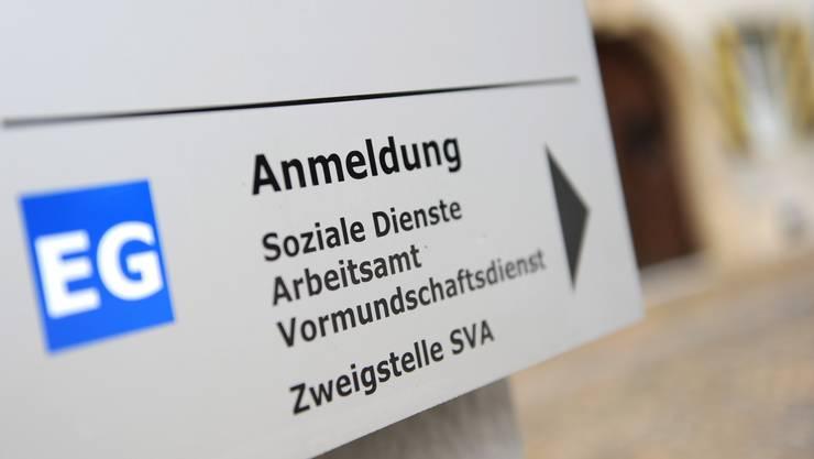 Einem Mitarbeiter der Sozialen Dienste Aarburgs wurde wegen sexuellen Handlungen mit einer Klientin gekündigt. (Symbolbild)