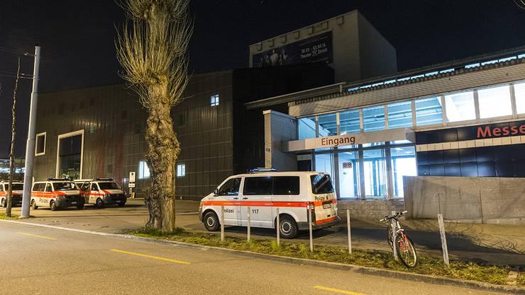 Auseinandersetzung zwischen Asylsuchenden im Übergangszentrum in Zürich-Oerlikon