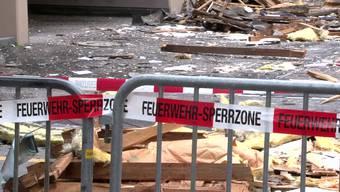 In Zürich Wiedikon ist in der Nacht auf Sonntag ein Dachstock explodiert. Der Mieter hatte Ärger mit der Verwaltung. Hat er deshalb seine eigene Wohung gesprengt?