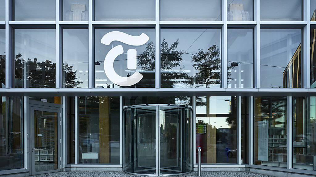 """Blick auf das Tamedia-Gebäude in Zürich: Rund 20 Prozent der Leser beim Medienkonzern nutzen einen Werbeblocker. Für sie sind die Onlineseiten von """"20Minuten"""" und """"Tages-Anzeiger"""" künftig nur noch mit einer Gebühr zugänglich. (Archivbild)"""