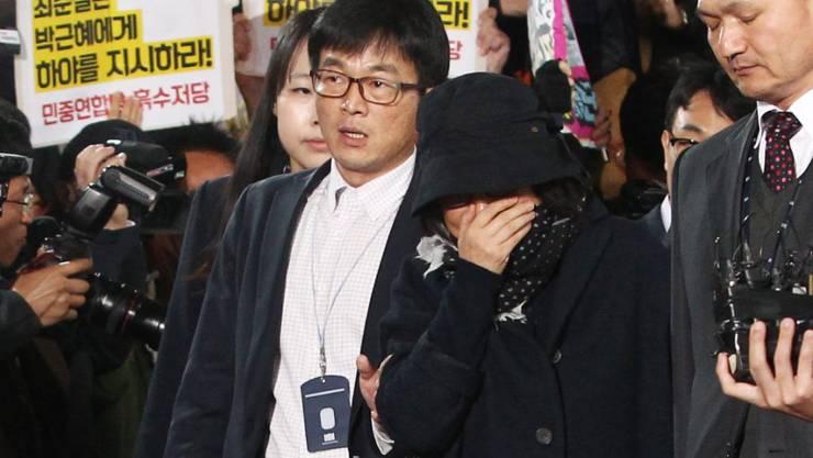Wird der Korruption verdächtigt: Choi Soon Sil, langjährige Freundin von Südkoreas Präsidentin.