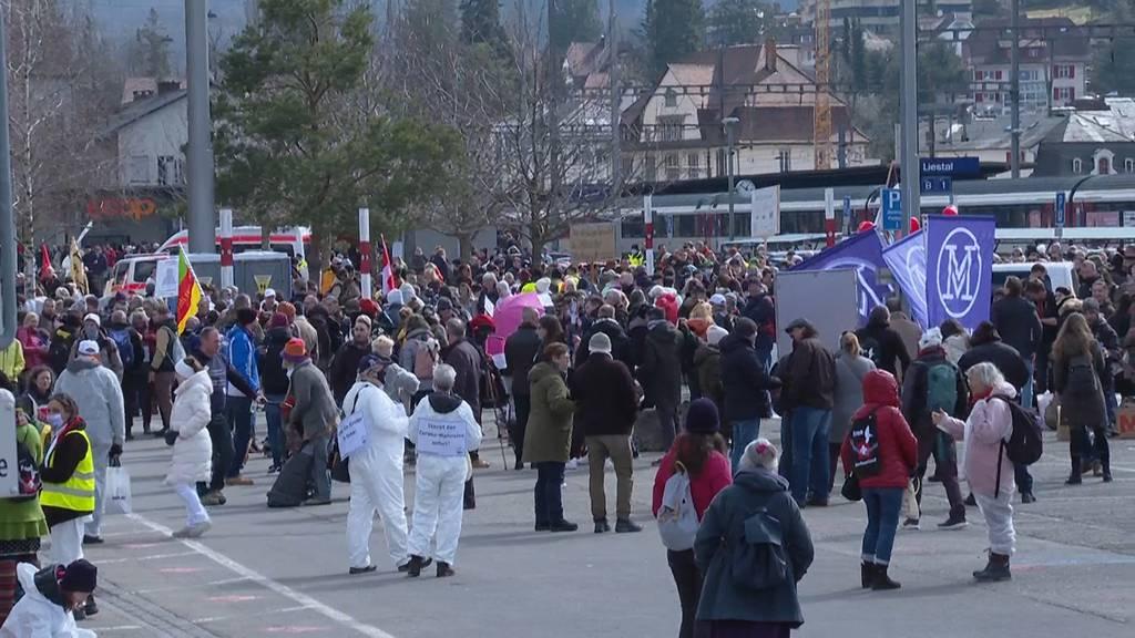 Liestal (BL): Über 5000 Personen protestieren gegen die Corona-Massnahmen