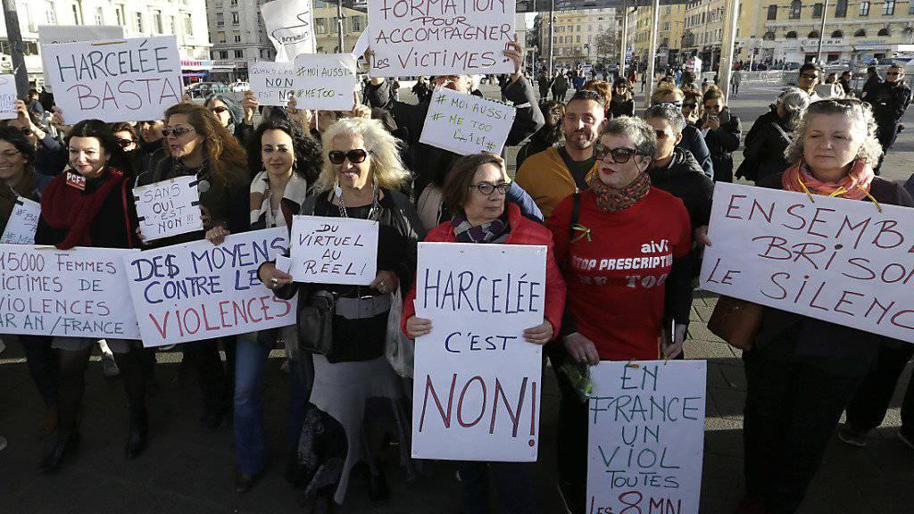 «#MeToo» (Ich auch): In mehreren französischen Grossstädten wie Marseille gingen am Sonntag vorwiegend Frauen auf die Strasse, um gegen sexuellen Missbrauch zu demonstrieren.