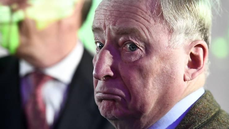 """Kein """"Vogelschiss der Geschichte"""": AfD-Fraktionschef Alexander Gauland wird im Bundestag vom gescheiterten SPD-Kanzlerkandidaten Martin Schulz attackiert."""