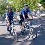 2010 erhielten die Basler Fahrrad-Cops ihre schnittigen Mountainbikes. Doch auch die Gabelfederung nützt nichts, wenn Kriminelle auf einem E-Bike sitzen.