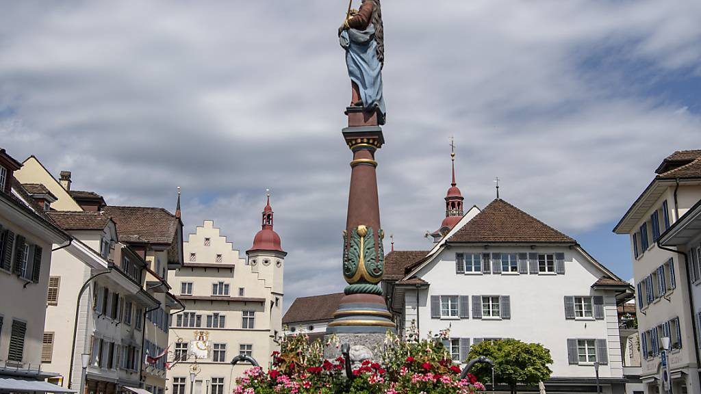 Der Rathausplatz in der Altstadt von Sursee: Die Stadt rechnet mit roten Zahlen. (Archivbild)