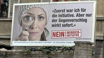 Nur eines von vielen Instrumenten im Abstimmungskampf von Economiesuisse: Plakat (Archiv)