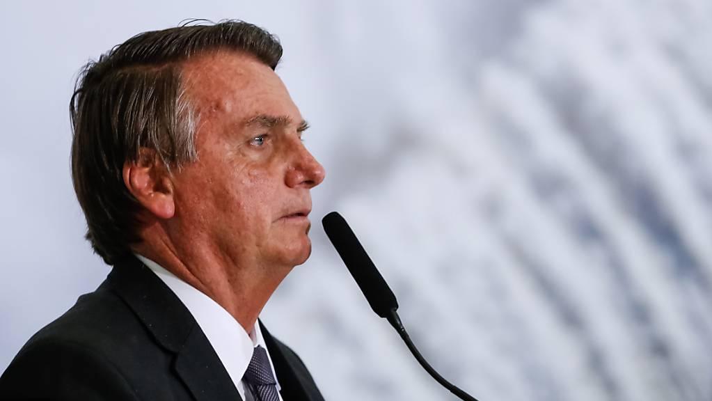 HANDOUT - Auf diesem vom brasilianischen Präsidentenamt zur Verfügung gestellten Bild spricht Jair Bolsonaro, Präsident von Brasilien, während einer offiziellen Veranstaltung. Foto: Alan Santos/Palacio Planalto/dpa - ACHTUNG: Nur zur redaktionellen Verwendung und nur mit vollständiger Nennung des vorstehenden Credits