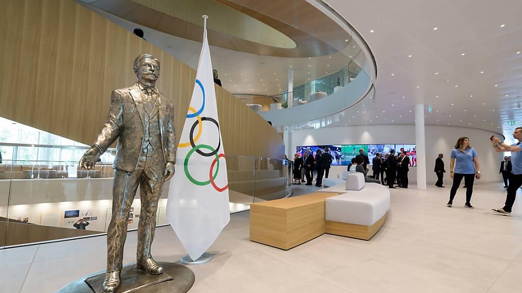 Die Statue von Baron Pierre de Coubertin im IOC-Hauptsitz in Lausanne.