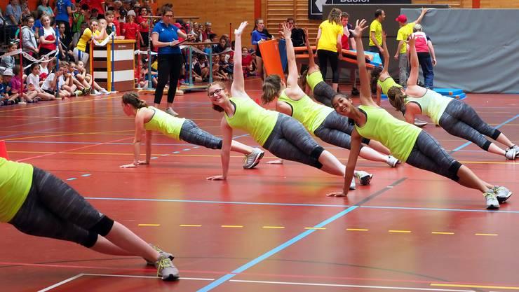 Das Jugend Team Aerobic am Kantonalen Jugendturnfest 2018 in Sissach, wo sie den 1. Rang mit der Note 9.43 erturnten.