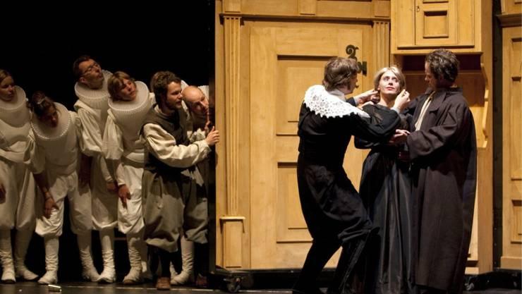 """""""Jürg Jenatsch"""" auf der Theaterbühne: Nicht nur Theateraufführungen müssen wegen der Covid-19-Pandemie abgesagt werden. Nun wird klar, wie der Bund den Kulturschaffenden helfen will. (Archivbild)"""