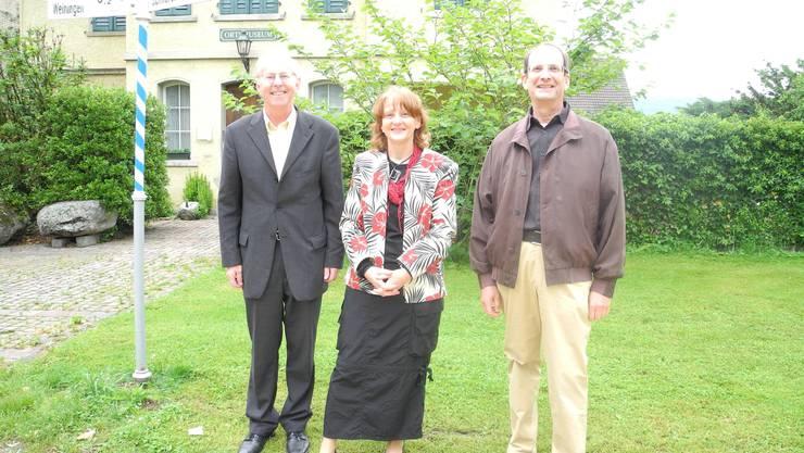 Stadtpräsident Toni Brühlmann, Christina Kunz und Peter Daniels informierten über die Mozartstelle in Schlieren.