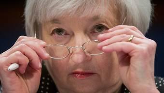 US-Notenbankchefin Janet Yellen strafft die Zügel: Nach fast einem Jahrzehnt mit Nullzinsen hat die Federal Reserve am Mittwoch die Zinswende eingeläutet (Archiv).