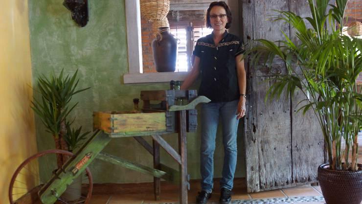 Betreiberin Katrin Schneider im neu gestalteten Speisesaal