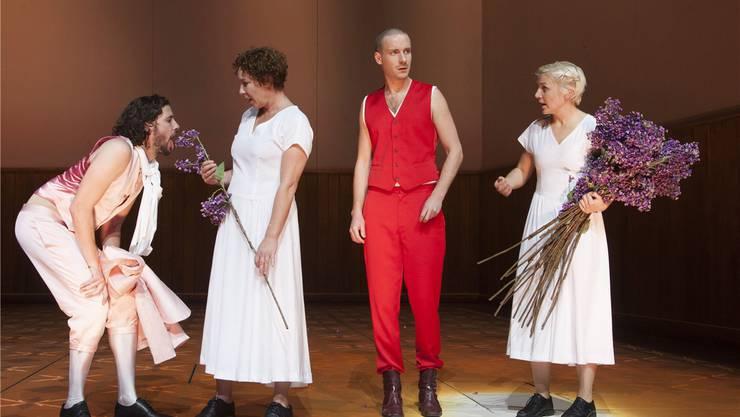Double-Date: Mephistopheles (Nicola Mastroberardino) und Marthe (Myriam Schröder), Faust (Max Rothbart) und Margarethe (Lisa Stiegler).