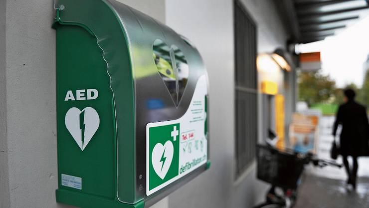 Im Tessin sind die Standorte der Defibrillatoren jederzeit abrufbar. Im Aargau nicht.