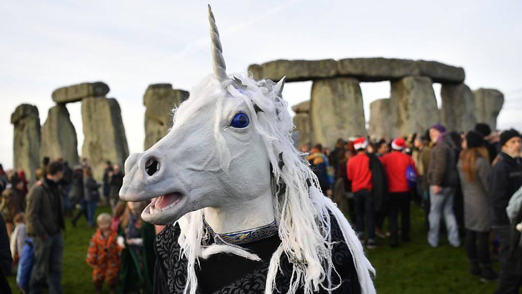 Allerlei Esoterisches wird in die riesigen Steine von Stonehenge hineingeheimnisst - mit von der Partie sind auch Fabelwesen wie das Einhorn.