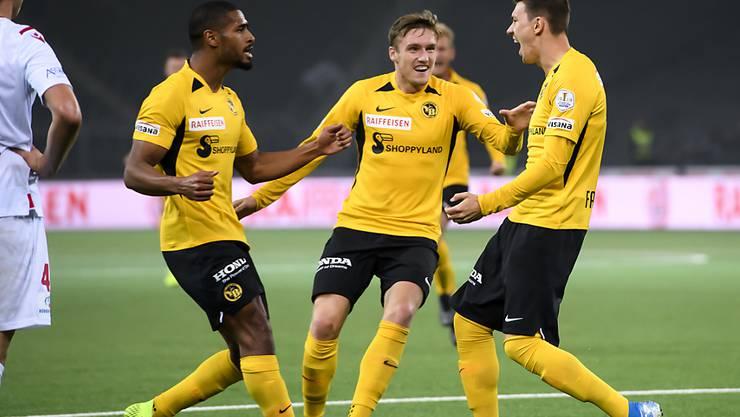 Die Young Boys mit Saidy Janko, Michel Aebischer und Christian Fassnacht (von links) halten sich gegen Sion trotz Verletzungsmisere schadlos