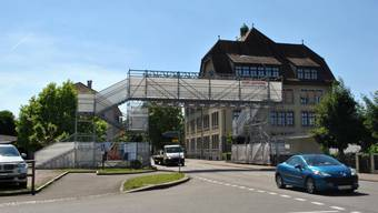 Laufenburg will die provisorische Passerelle durch einen definitiven Bau ersetzen. An der Gemeindeversammlung im Juni 2018 ist ein Kredit über 310 000 Franken dafür beantragt.