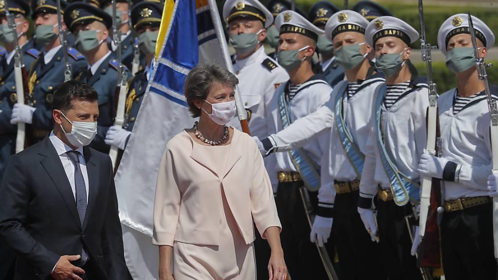 Selenskyj empfängt Bundespräsidentin Sommaruga in der Ukraine