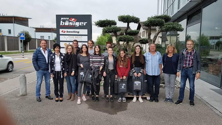 Stolz präsentierten sich die Teilnehmer im Bowling-Center für das Gruppenbild.