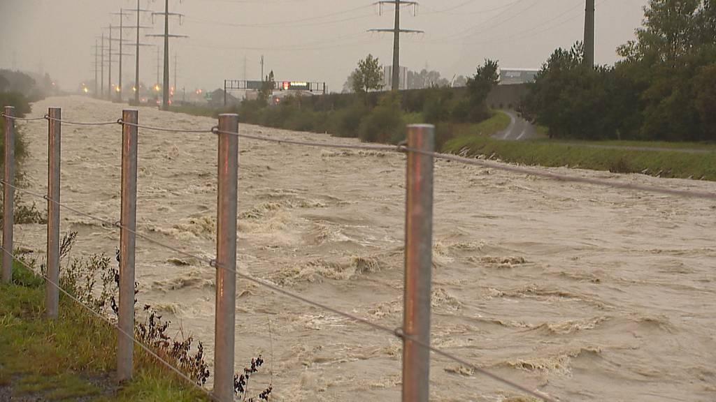 Unwetter: Autobahn A2 wegen Überschwemmung gesperrt