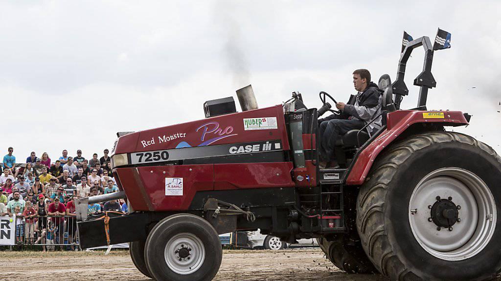 Die Wettbewerbskommission untersucht bei der Bucher-Landtechnik AG den Vertrieb von Ersatzteilen für Traktoren. (Symbolbild)