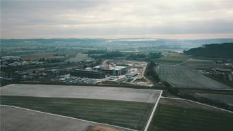 Luftaufnahme vom aktuellen Baufortschritt des «CSL Biotech Innovation Park» in Lengnau. Oliver Menge