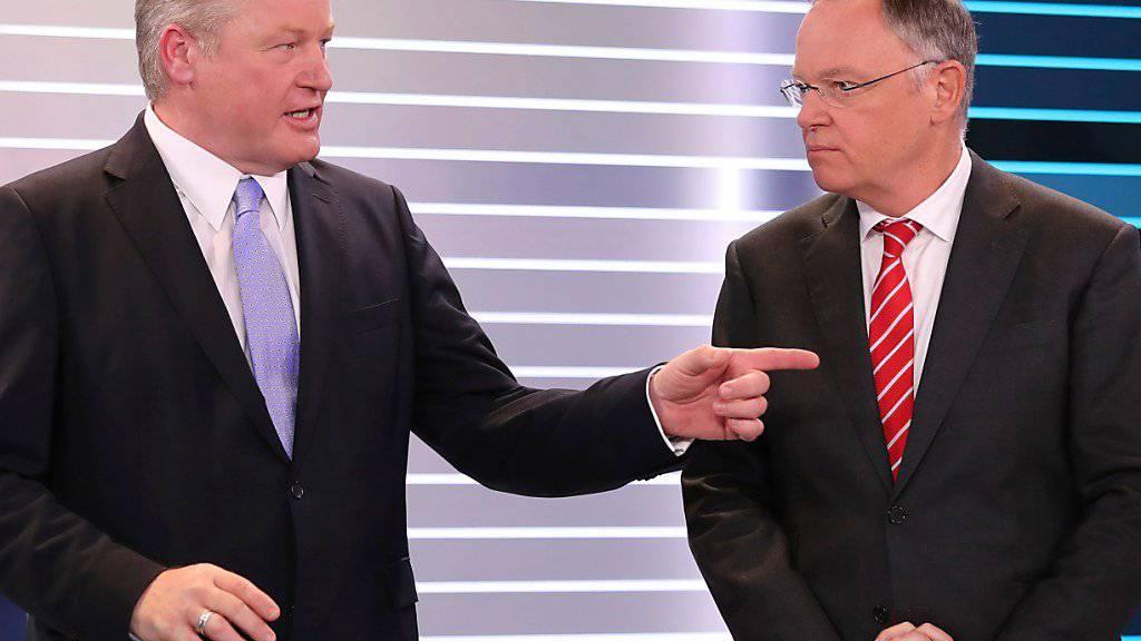 Politisch liegen Althusmann (l), und Weil nicht meilenweit voneinander. Die Verhandlungen zwischen SPD und CDU für eine grosse Koalition in Niedersachsen sollen nun rasch beginnen.