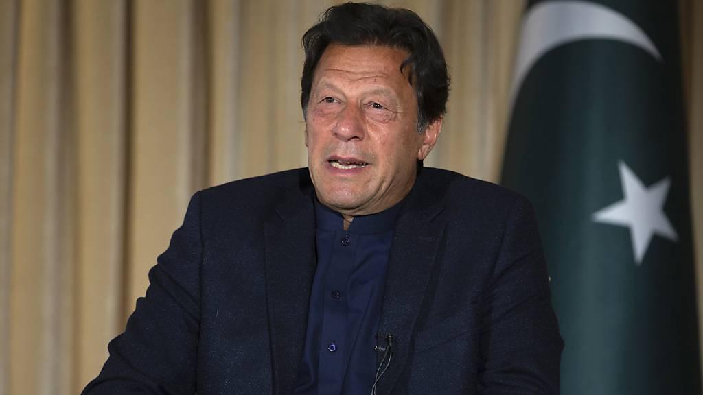 Pakistans Premier positiv auf Corona getestet
