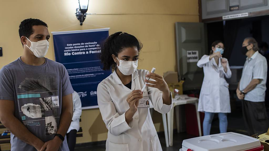 Brasilien: Infektions-Zahl schnellt wegen Nachmeldungen nach oben