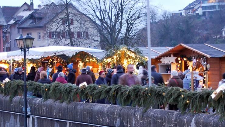 Rund 10'000 Besucher werden ab heute an der grenzüberschreitenden Laufenburger «Altstadtweihnacht» erwartet. Archiv