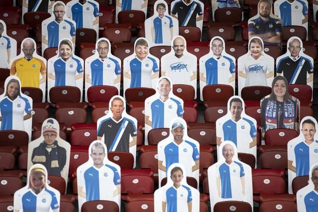 Koch als Goalie, die Bundesräte als Feldspieler: Der Grasshopper Club Zürich startete im Juni im Letzigrundstadion eine Aktion mit Pappfiguren.
