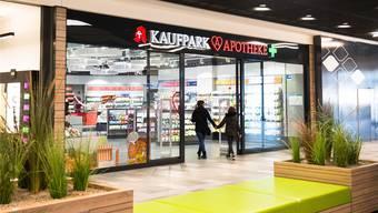 Viele Schweizer kaufen auch ihre Medikamente im grenznahen Ausland – etwa in Deutschland – ein.Uwe Steinert/Imago