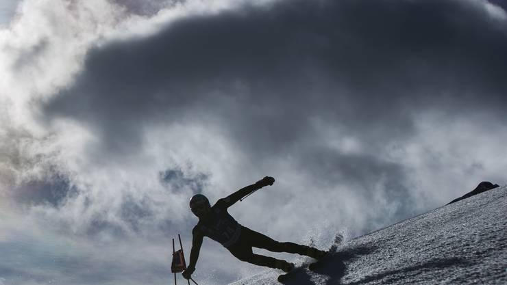 Noch am Samstag war es frühlingshaft warm in Adelboden - am Sonntag schneit es.
