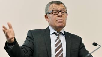 Setzt sich tatkräftig für die Steuervorlage 17 ein: Finanzdirektor und SVP-Politiker Ernst Stocker. (Archiv)