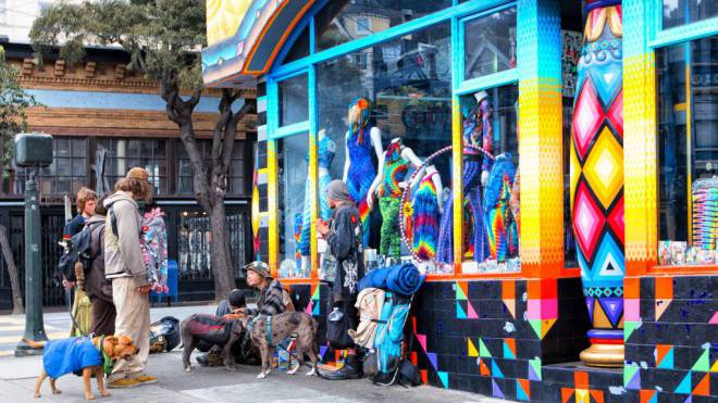 Shops und Beatniks in der Haight Street in San Francisco. Foto: Getty Images/Jean-Pierre Lescourret