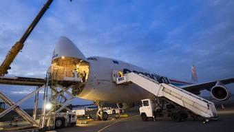 Diese Boeing 747 wird die Solar Impulse in die USA fliegen