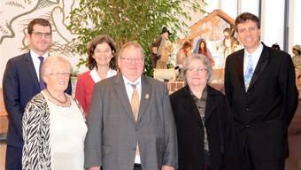 Kirchenkommissionspräsident Remo Grossenbacher mit Ursula Steiner, Christine Petermann, Ueli Steiner, Maja Tanner und Andreas Haag (v. l.).