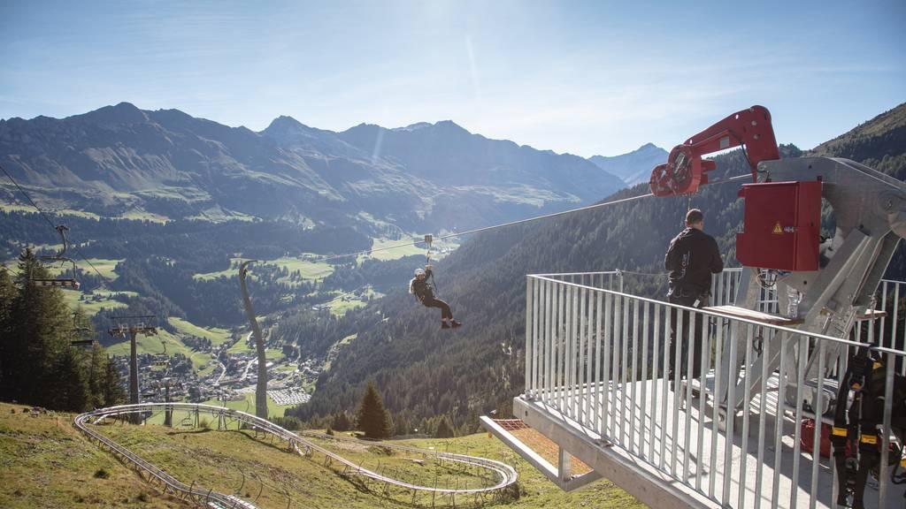 110 km/h und 470 Höhenmeter – so sieht die erste Zipline Graubündens aus