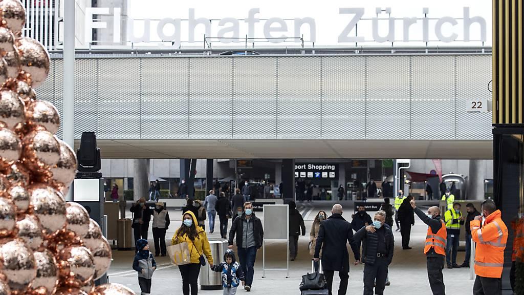 Der Flughafen Zürich erleidet im November einen beschleunigten Rückgang. (Archiv)