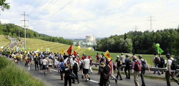 «Menschenstrom gegen Atom»: Tausende demonstrierten im Frühling 2011 gegen Atomstrom.