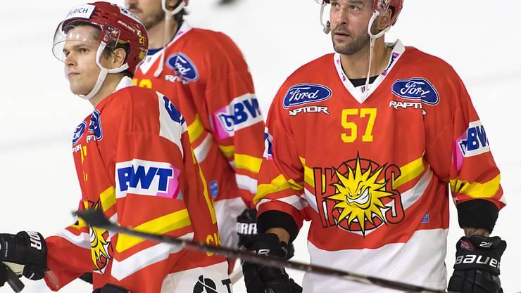 Aufsteiger Sierre mit dem langjährigen Servette-Verteidiger Goran Bezina (rechts) ist nach drei Spielen in der Swiss League Tabellenzweiter