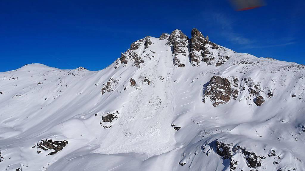 Die Lawine in der Nähe des St-Luc/Chandolin Skigebiets.