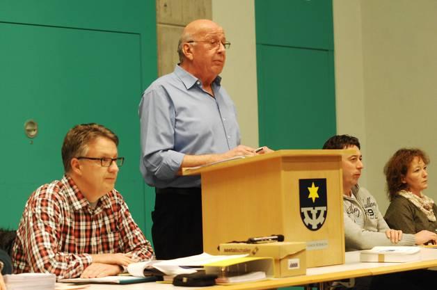 Der Vorsitz letztes Mal unter Konrad Werder, links Gemeindeschreiber Frank Reinhardt, rechts Stefan Meier und Gabriella Mondillo
