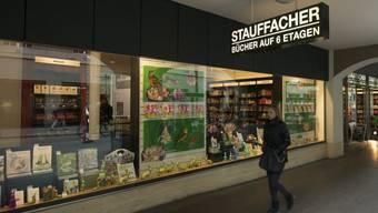 Für viele noch immer ein Ort zum Eintauchen: der Stauffacher in Bern, der zur Orell Füssli Thalia AG gehört. Doch der Negativtrend im Buchhandel - auch jenem der Deutschschweiz - hält weiter an. (Archivbild)