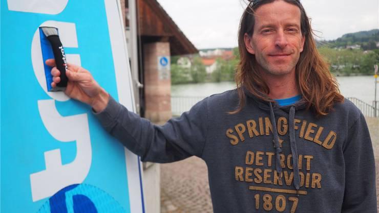 Christian Wunderlin bringt das Surf-Fieber ins Fricktal.