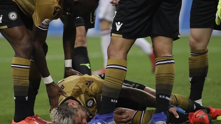 Valon Behrami zog sich am Dienstag im San Siro womöglich eine schwere Knöchelverletzung zu