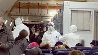 14 Coronavirus-infizierte Amerikaner wurden gemäss der «New York Post» von einem Kreuzfahrtschiff in Japan evakuiert und nach Hause gebracht.