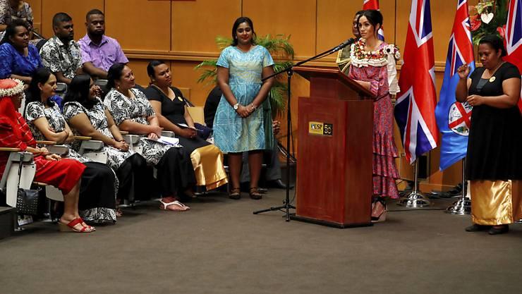 Herzogin Meghan macht sich in einer Rede auf den Fidschi-Inseln für Frauenrechte stark.